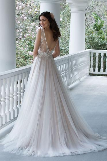 Sincerity 3945 - Back View